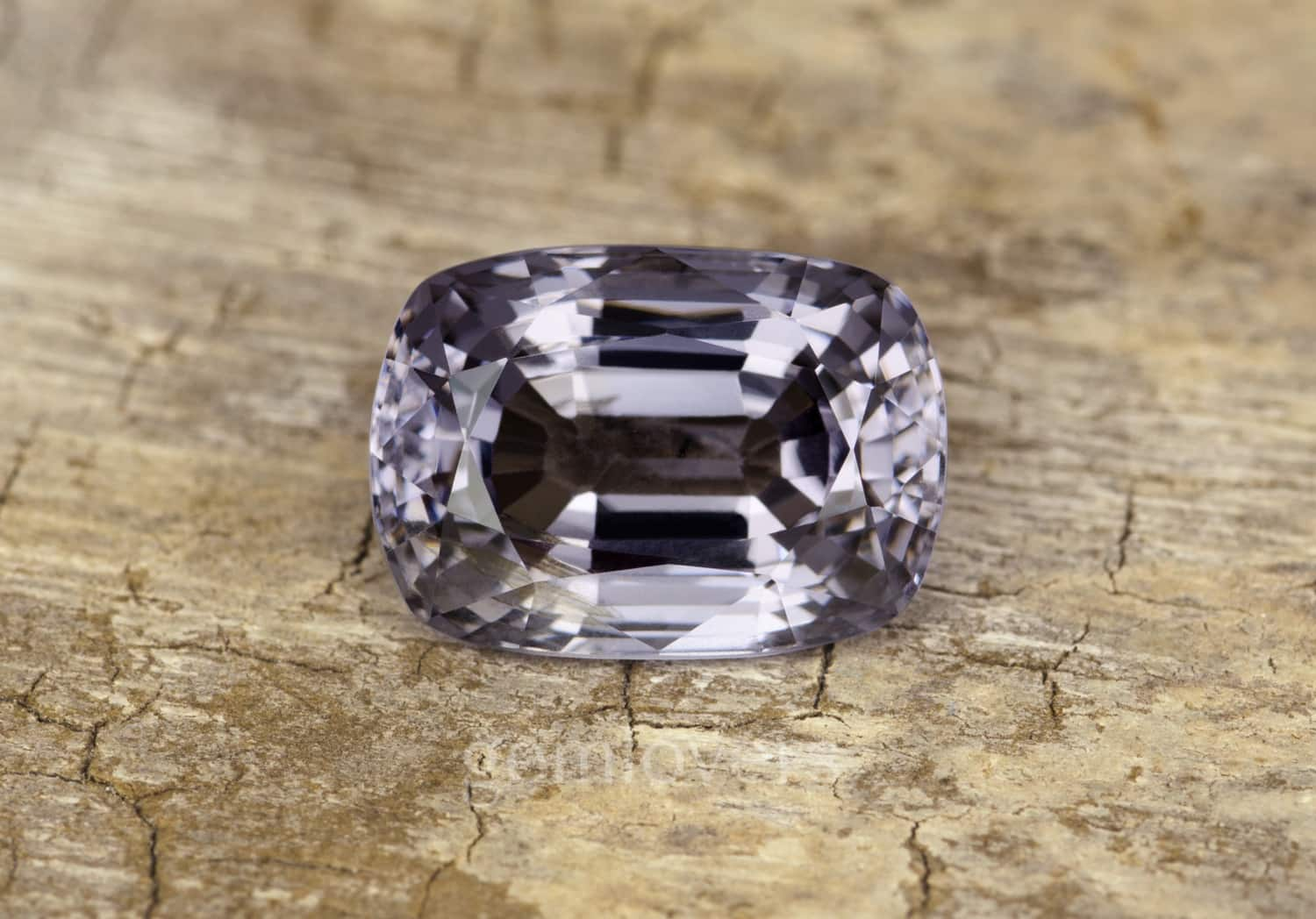 Gray spinel clarity