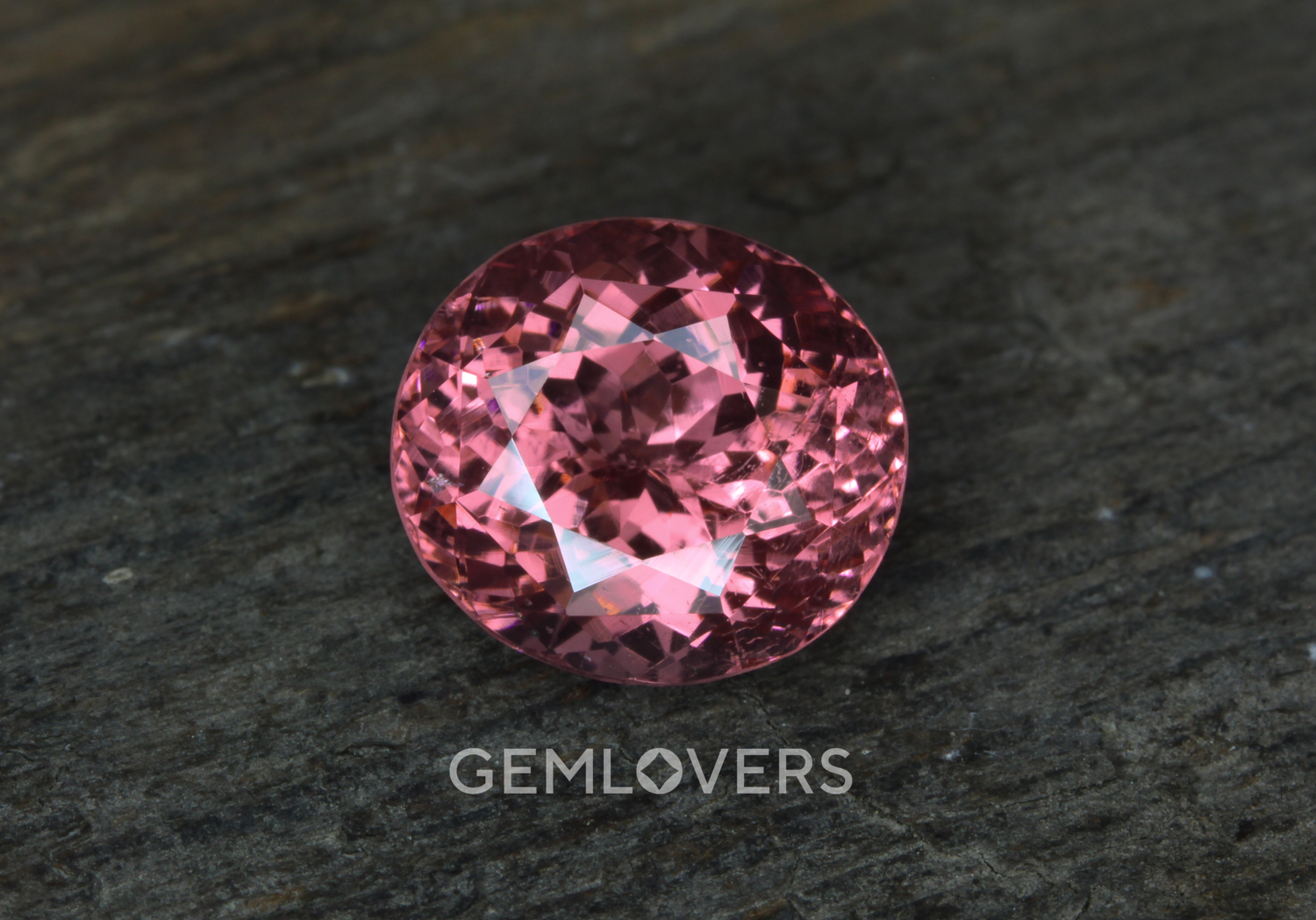 Pink spinel oval