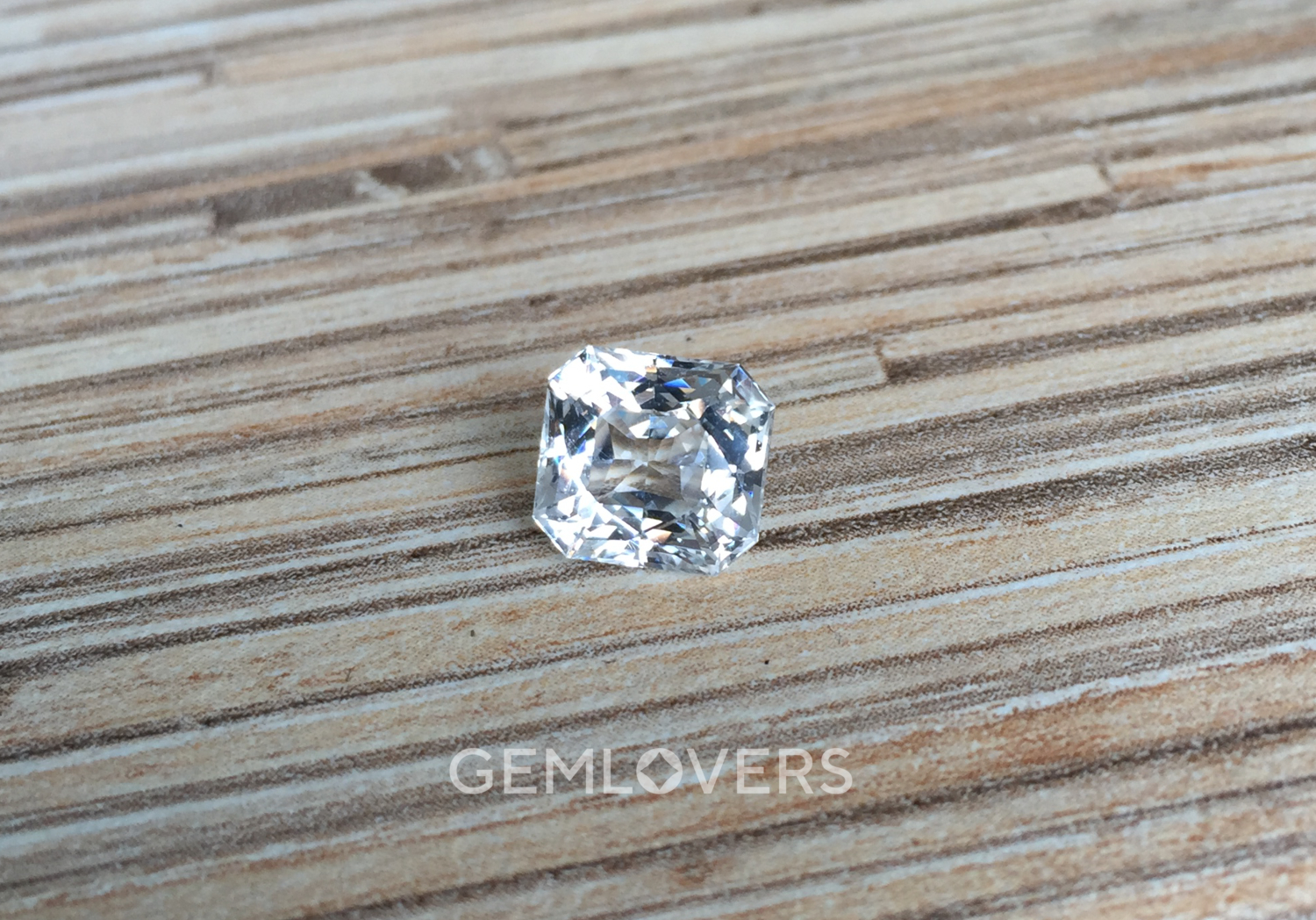 Jewelry colorless sapphire