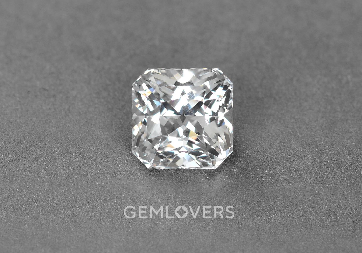 Colorless unheated sapphire square radiant