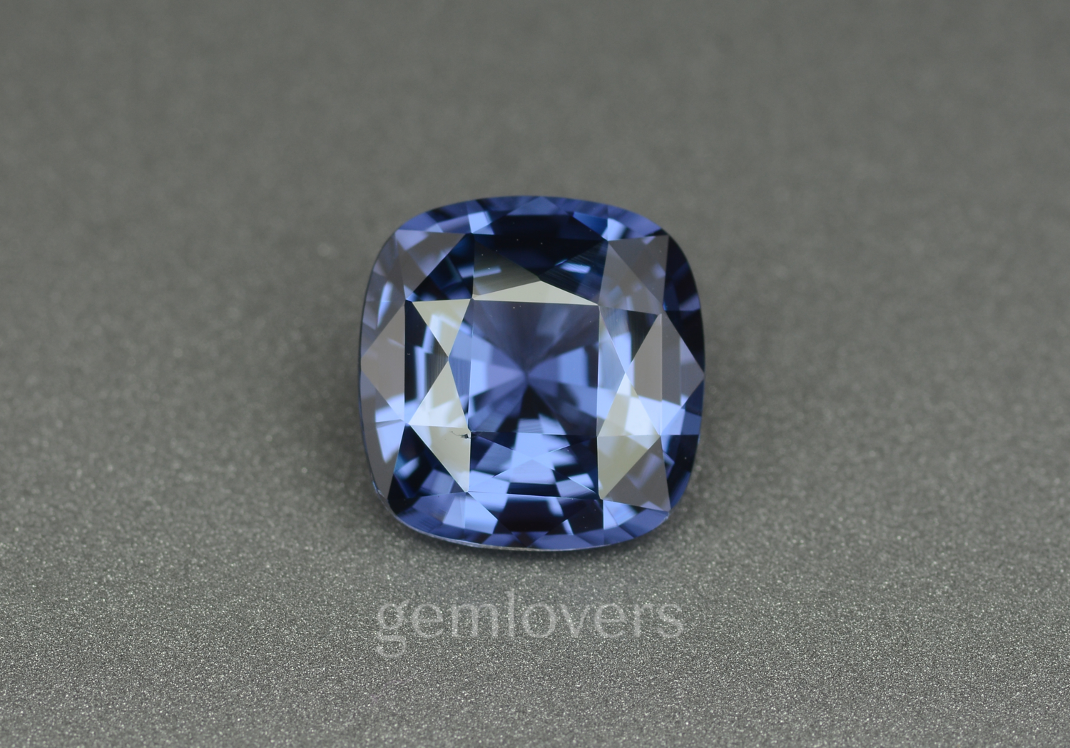 Blue spinel stone
