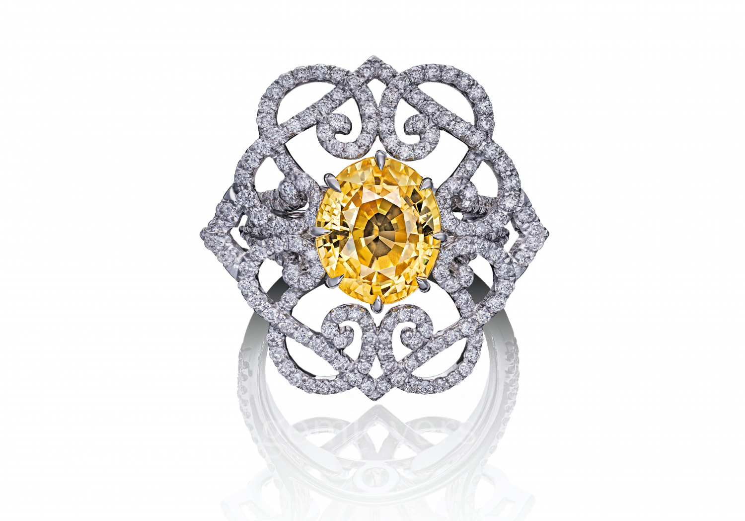 Ring with diamonds and yellow sapphire