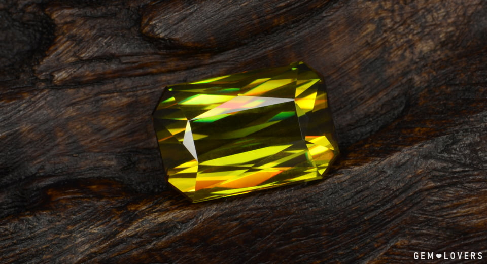 yellow gemstone weighted 9.93 ct with high clarity
