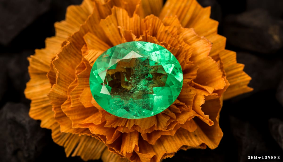 emerald 20.95 ct with large window in the center