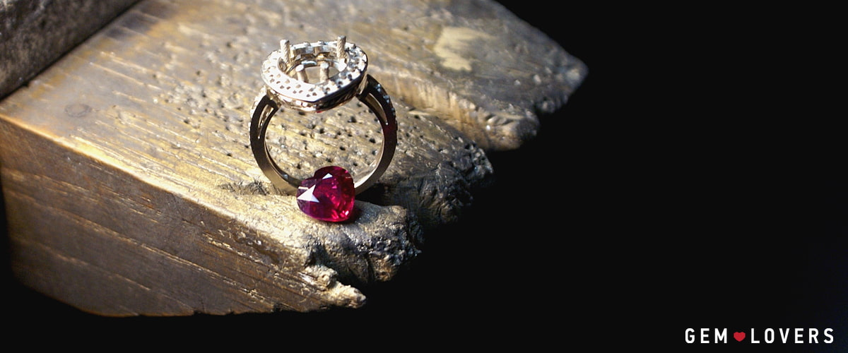 creation of the ring with Mozambique ruby