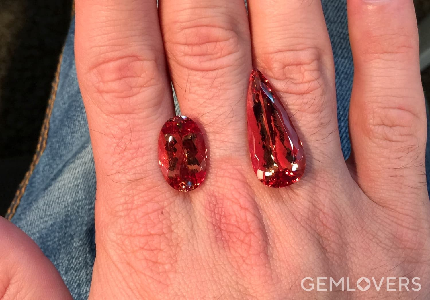 red topazes of elongated oval and pear shapes